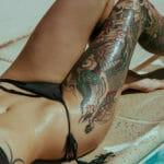 татуировки и загар