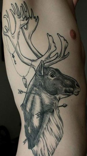 Татуировка Гравюрный Олень На Ребрах.