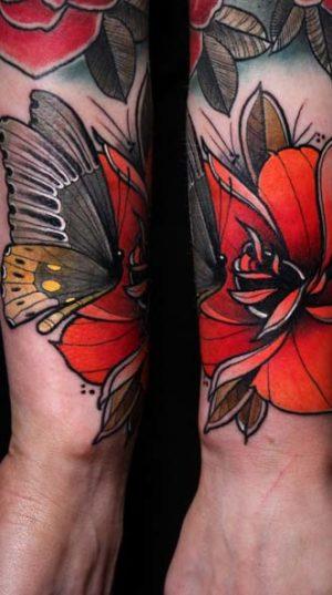 Цветы в стиле Neo-traditional tattoo